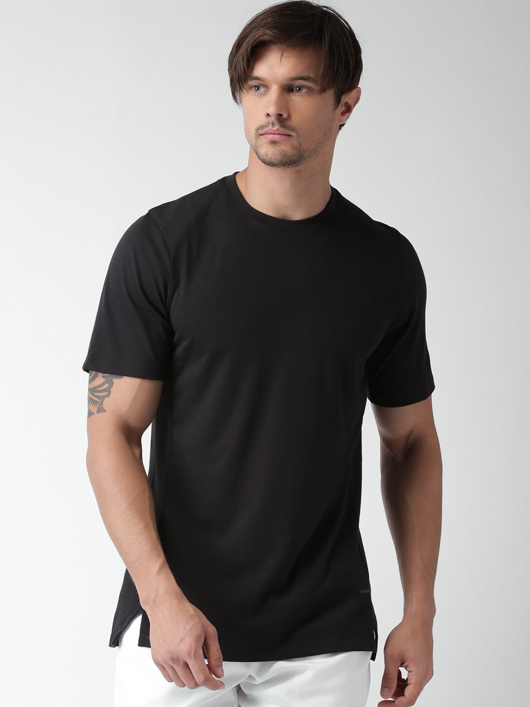 ca9909b4a33a Nike 830950-010 Men Black Solid Round Neck T Shirt - Best Price in ...