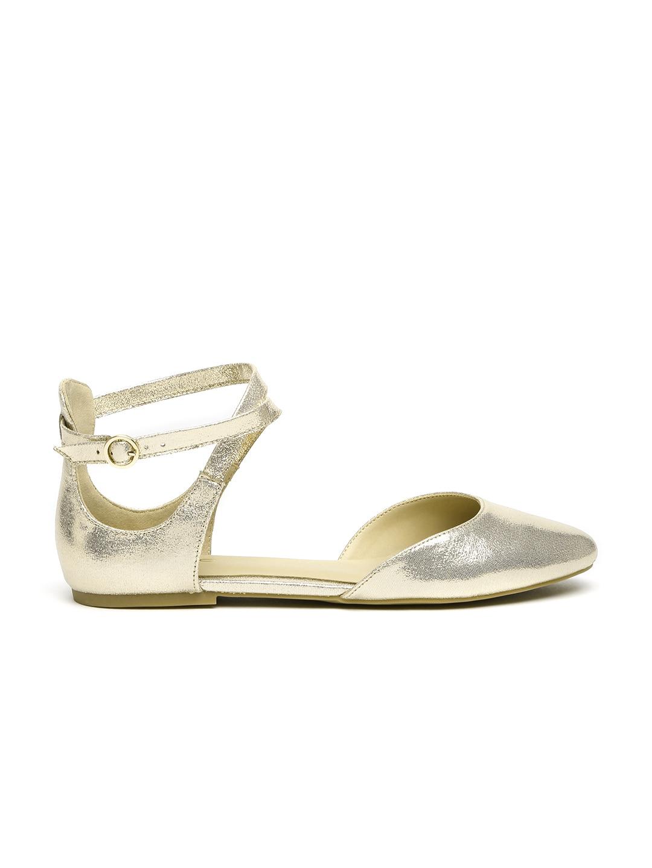 19560cf271c Buy Monrow Women Rose Gold Shimmery Flats - Flats for Women