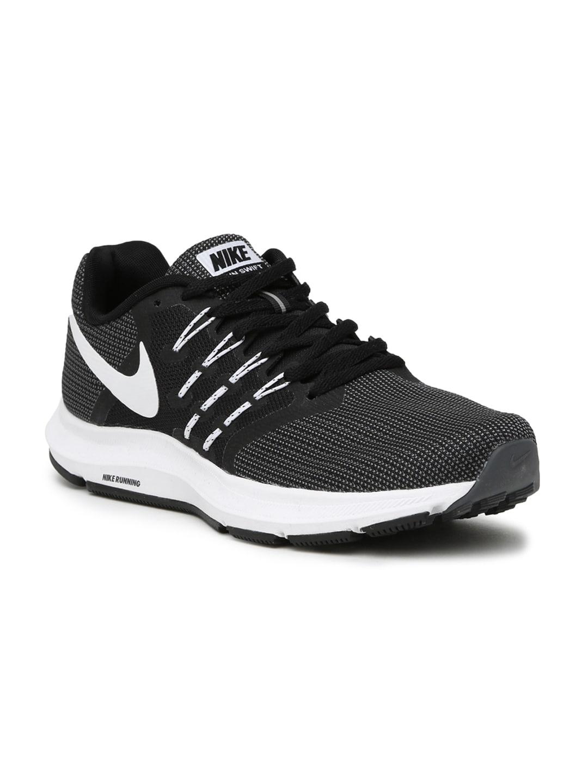 sports shoes fb97f 76282 Nike Men Grey RUN SWIFT Running Shoes
