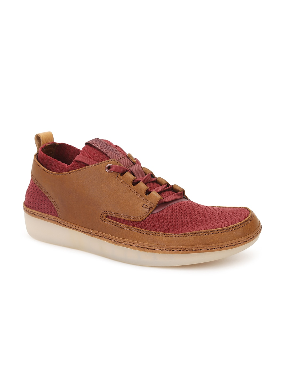 Clarks Men Brown & Maroon Woven Design Sneakers