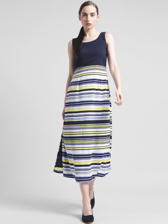 c5bc05e067 Buy Zink London Women Black   White Printed Maxi Dress - Dresses for ...