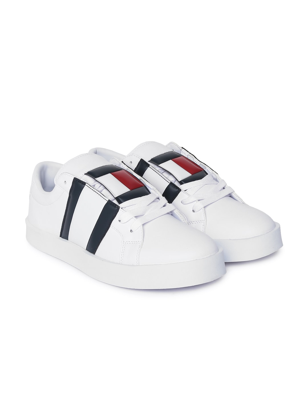 2605aa07 Buy Tommy Hilfiger Men White ICON SPORT FLEXI Sneakers - Casual ...