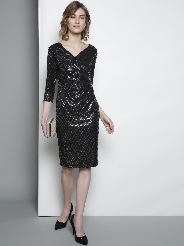 6887aad0 Buy DOROTHY PERKINS Women Petite Navy Blue Lace Shimmer Sheath Dress ...