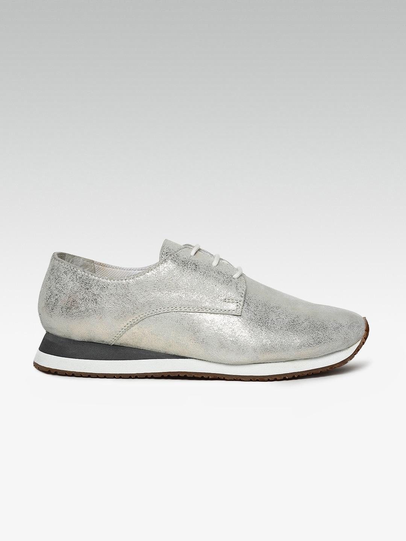 15e7b290dfdd Steve Madden Tifanii Silver Casual Sneakers for women - Get stylish ...