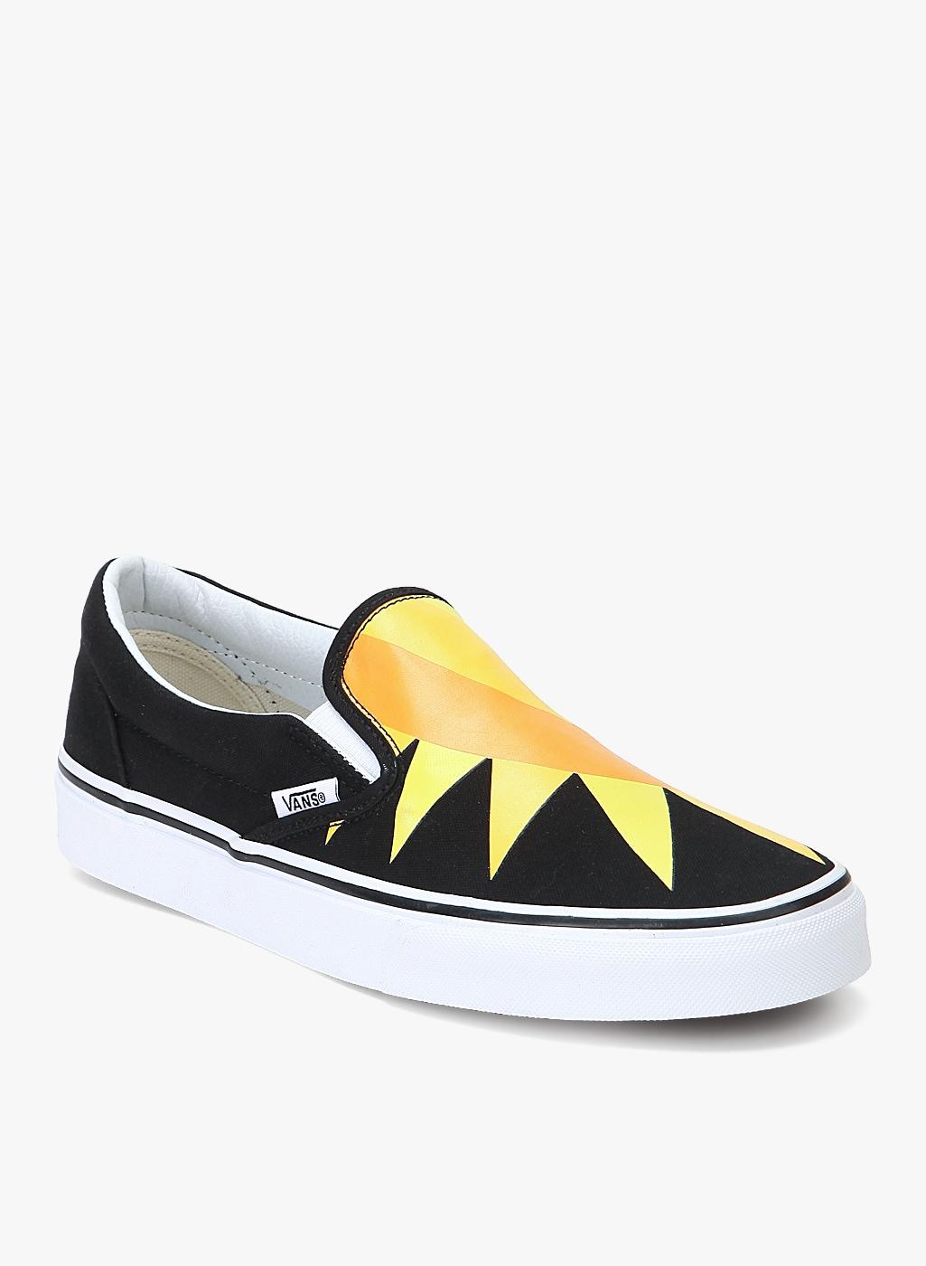 cd46f2e66bc Vans Classic Slip On Black Sneakers for Men online in India at Best ...