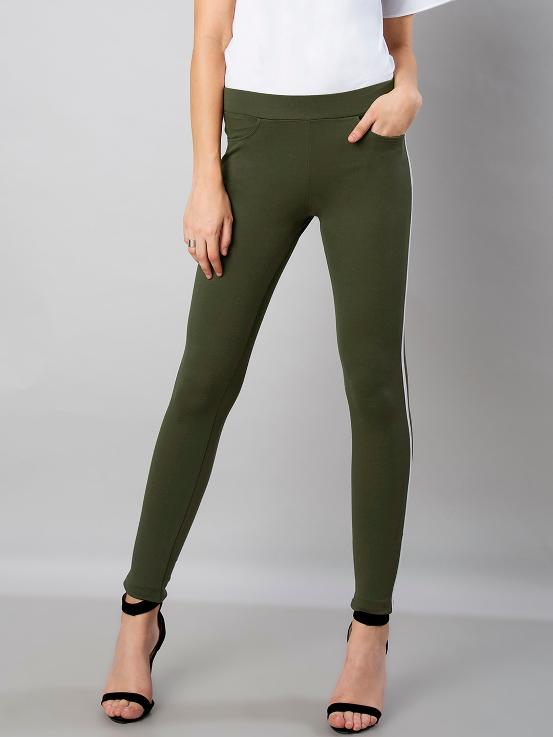 aba6bf58b4b2d4 Buy Marks & Spencer Women Olive Green Flexi Fit Solid Cropped ...