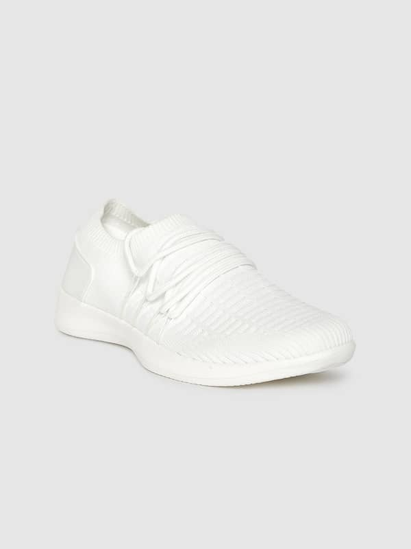 white casual shoes myntra