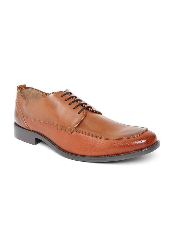 Buy Arden Footwear online in India