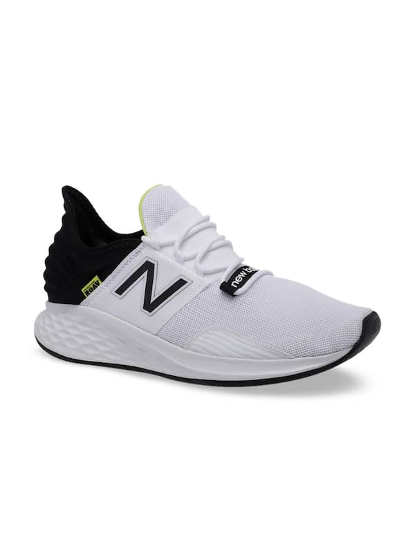 new balance all black running shoes