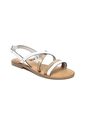 14474d4216b 2d52a151-00f5-46d7-a30f-d032b464da1f1545298988295-Ruosh-Women-White-Colourblocked-Synthetic-Open-Toe-Flats-194-1.jpg