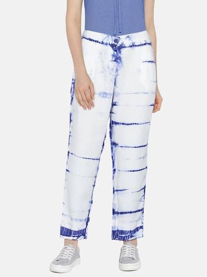 1bc5617a20fd 56ec9b8f-3b65-405a-83be-e6476b5455291534417955950-Pepe-Jeans -Women-White--Blue-Regular-Fit-Printed-Trousers-4671534417955817-1.jpg