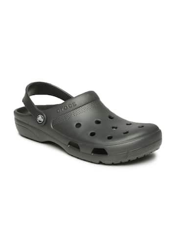 baa9b1269f18e7 Crocs Shoes Online - Buy Crocs Flip Flops   Sandals Online in India - Myntra