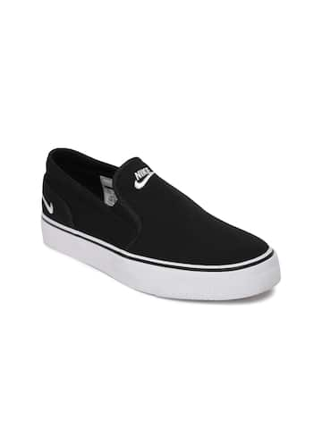c9970e255b3881 Nike Slip On Shoes - Buy Nike Slip On Shoes online in India