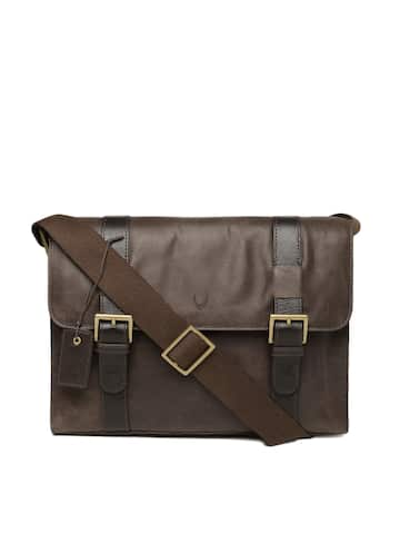 Messenger Bags - Buy Messenger Bags Online in India  24a39af1a6d