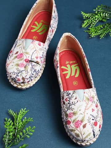 bfad74087e2 Girls Footwear - Buy Footwear for Girls Online in India   Myntra