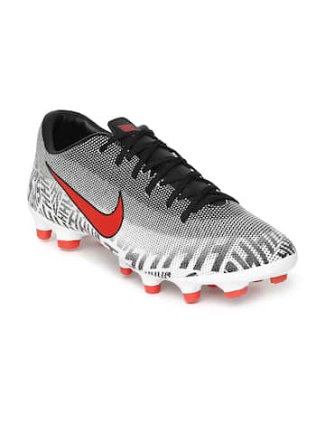 934d40e3c13 Football Shoes - Buy Football Studs Online for Men   Women in India