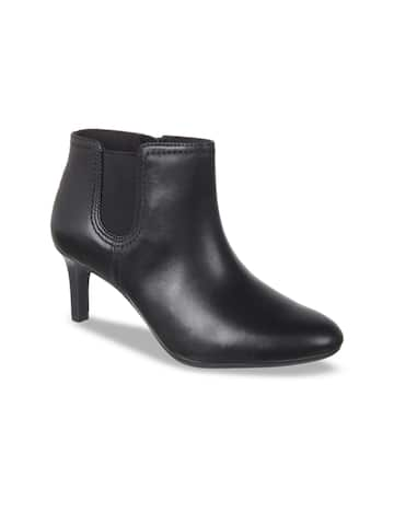 23f4acf6519 Womens Boots - Buy Boots for Women Online in India | Myntra