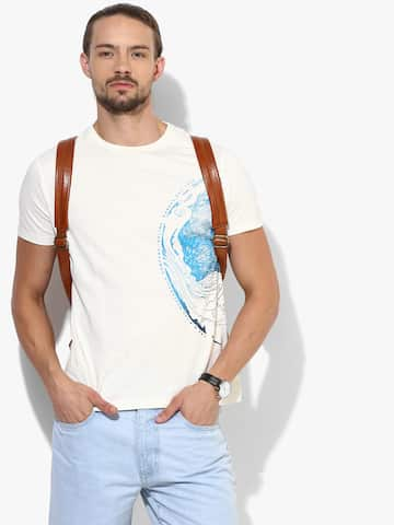 8f2ba582 Off White Printed Slim Fit Round Neck T-Shirt. image. Lee