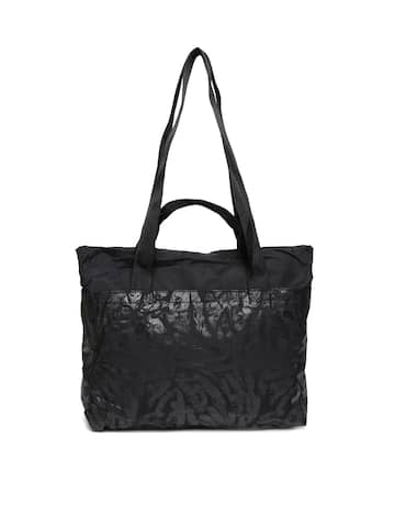 aac180844a Puma Handbags | Buy Puma Handbags for Women Online in India at Best ...