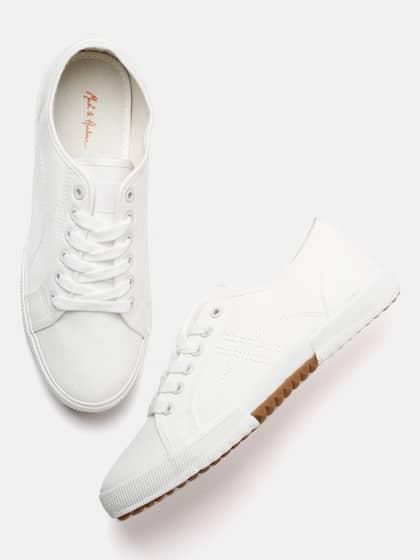 de395afe70ad4 Shoes for Men - Buy Men Shoes Online at Best Price   Myntra