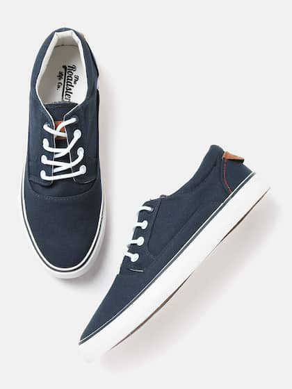 8a6798d57bc Buy Roadster Brand Casual Shoes Online from Myntra