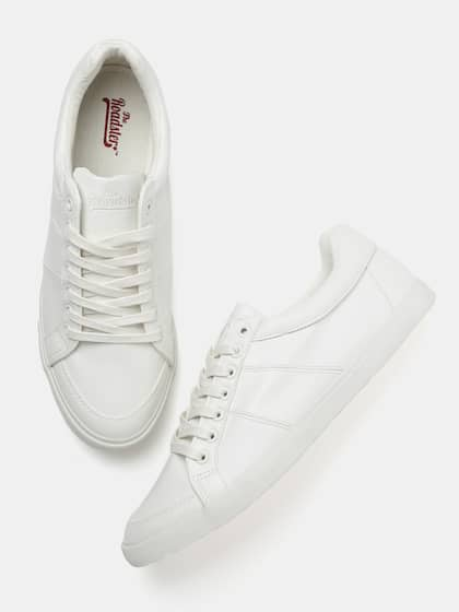 e10021b3c8a4 Roadster Men White Sneakers