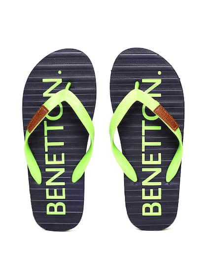 b2eab0112df776 United Colors of Benetton. Men Printed Flip-Flops