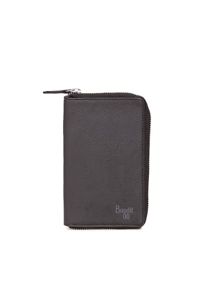 f00d876f51e65 Baggit Mobile Pouch - Buy Baggit Mobile Pouch Online in India