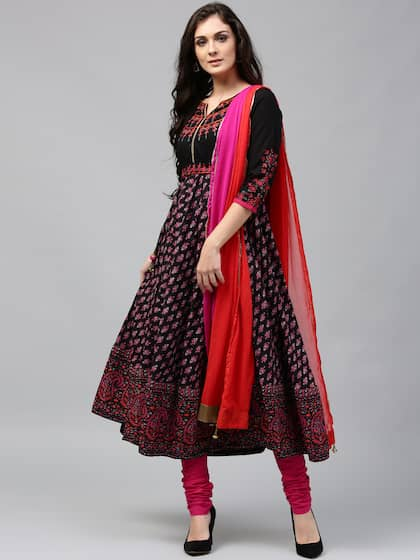 b377a45ccd3c Rain   Rainbow Women Black   Pink Printed Kurta with Churidar   Dupatta