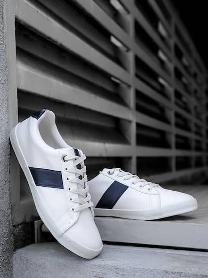 d2f983187447 Buy Roadster Brand Casual Shoes Online from Myntra
