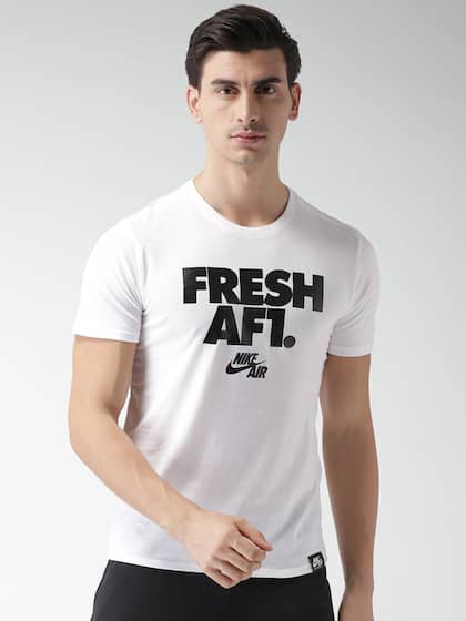 468a01ee4cc5 Men Nike Football Tshirts - Buy Men Nike Football Tshirts online in ...