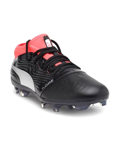 edda72cd6ba Football Shoes - Buy Football Studs Online for Men   Women in India