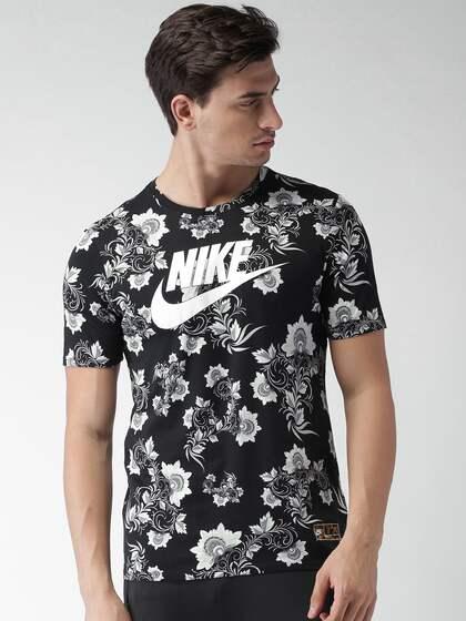 509a53ae3 Nike Men Nsw Tshirt Shorts - Buy Nike Men Nsw Tshirt Shorts online ...