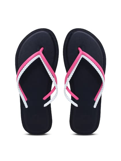 6ef48028f435 United Colors of Benetton. Women Solid Thong Flip-Flops