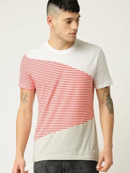 c2166e897c UCB T-shirt - Buy United Colors of Benetton T-shirts for Men & Women