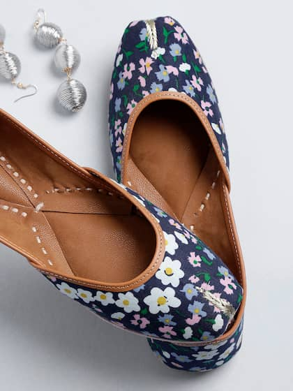 c436a08735 Floral Shoes - Buy Floral Shoes online in India