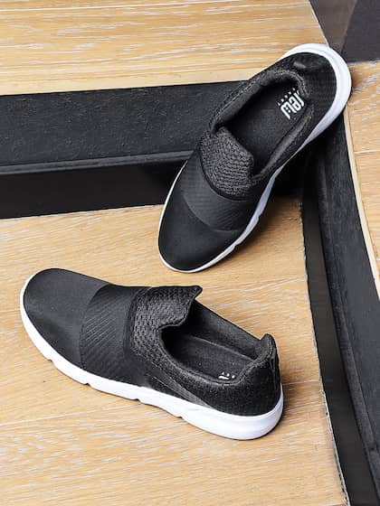 Crew STREET Men Black Slip-On Sneakers