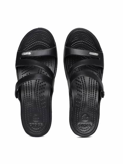 cf883312e Crocs Shoes Online - Buy Crocs Flip Flops   Sandals Online in India ...