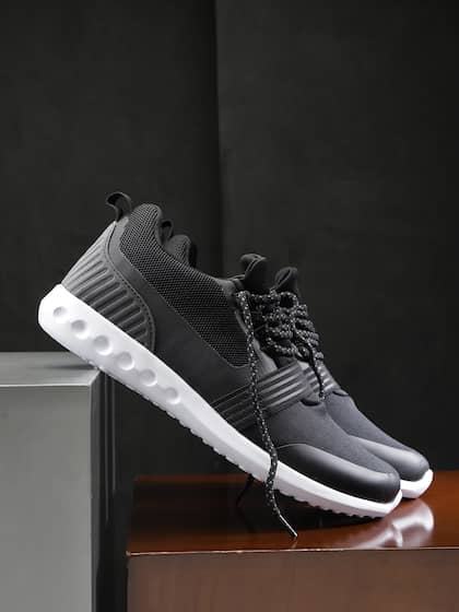 2c9c38a536b HRX by Hrithik Roshan. Men Street Run Running Shoes