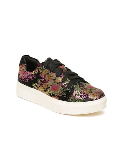 56b2942f09da Vero Moda. Women Flatform Sneakers