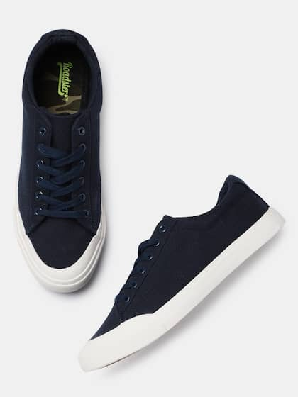 2c6ad36f38cbc8 Buy Roadster Brand Casual Shoes Online from Myntra