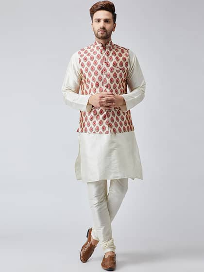 fd876f790 SOJANYA. Men Self Design Kurta with Churidar