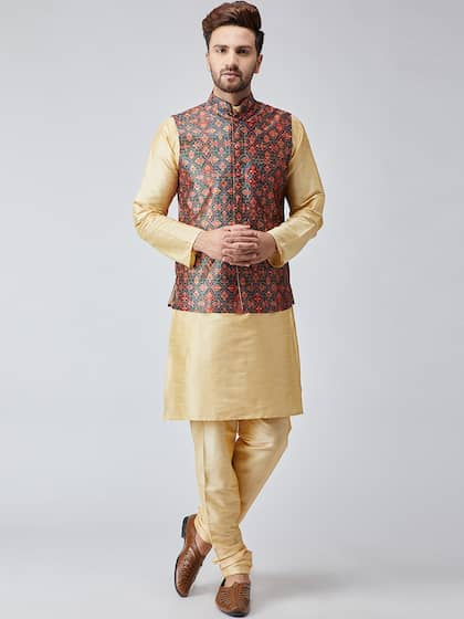 8aa6ef8812d Size. SOJANYA Men Beige & Green Self Design Kurta ...