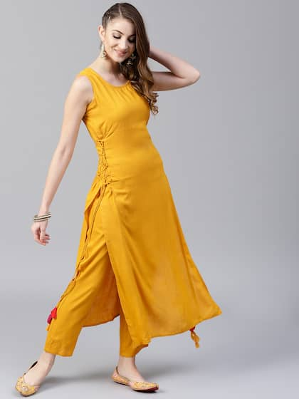 Aks Women Mustard Solid Straight Kurta