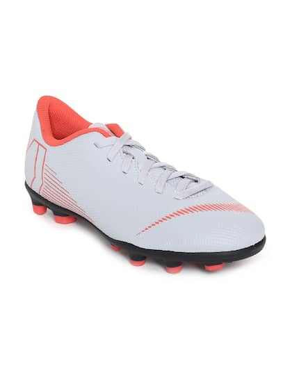 419253ad5b6c Football Shoes - Buy Football Studs Online for Men   Women in India