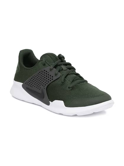 brand new 9a0a5 4a57c Nike. Men Arrowz Sneakers