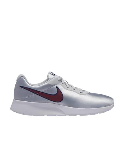 9b2e38f24 Nike. Women WMNS TANJUN Sneakers