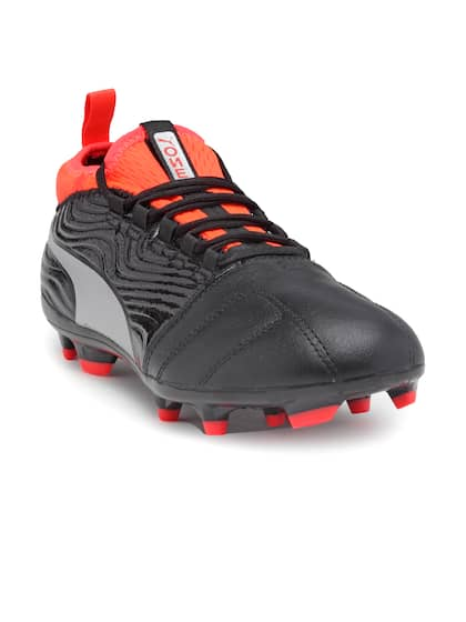 0a37a44fa Football Shoes - Buy Football Studs Online for Men & Women in India