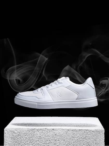 350044dcaf9 Sneakers Online - Buy Sneakers for Men   Women - Myntra