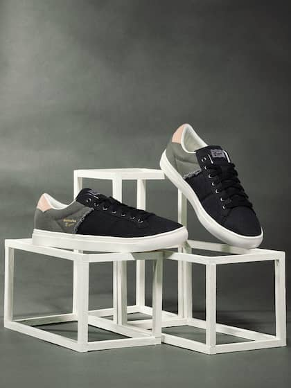 timeless design 3f582 2c143 Onitsuka Tiger. Lawnship 2.0 Leather Sneakers